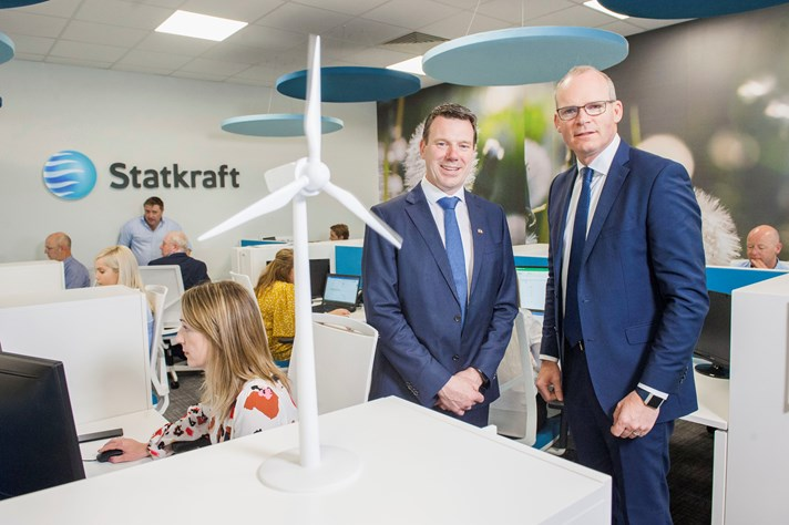 Statkraft Ireland CEO, Kevin O'Donovan (left) and Tánaiste and Minister for Foreign Affairs and Trade, Simon Coveney. Photo: Daragh McSweeney.